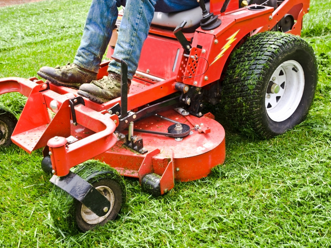Leave commercial landscaping to the pros